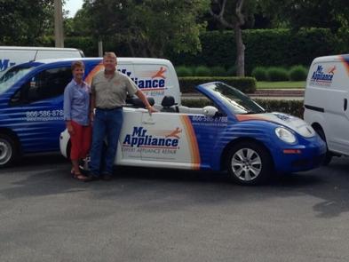 Bob & Nita Tuck with Mr. Appliance Car